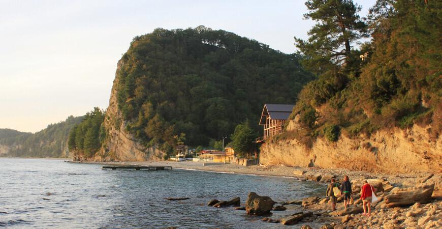 Пляж Золотая бухта (Второе ущелье) в Абхазии