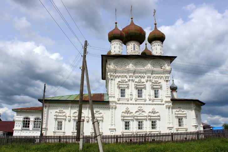 Ныроб (Никольская церковь)