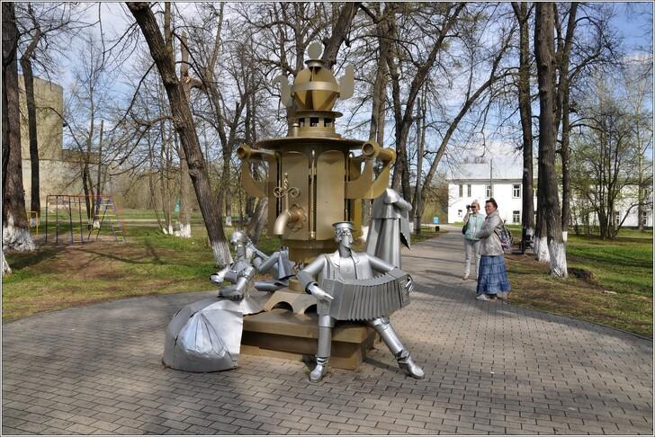Памятник самовару в Суксуне