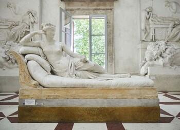 Австрийский турист во время фотосессии повредил экспонат итальянского музея