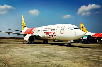 При приземлении в Индии развалился пассажирский самолёт: 16 погибших, 120 раненых