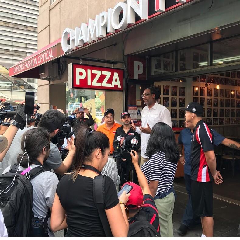Американская мечта: был бездомным - стал владельцем пиццерий, но продолжает кормить бедных