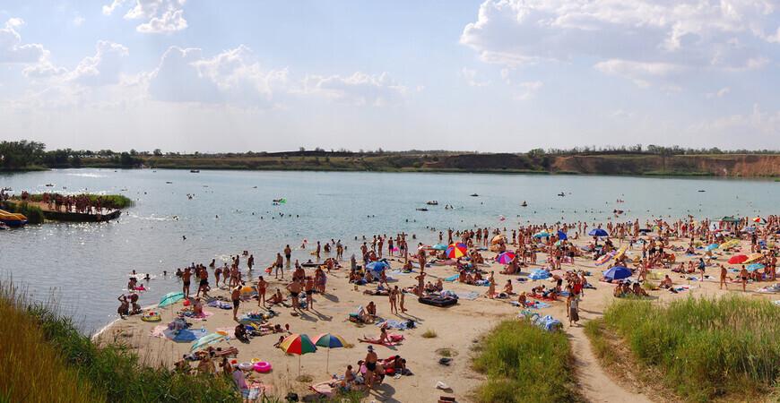 Пляж на Самарском (Голубом) озере