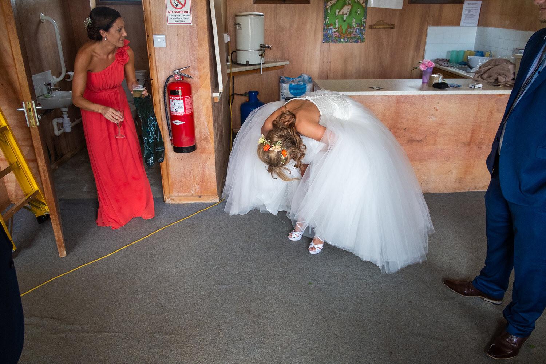 можно ли рвать или резать свадебные фото внешностью социальной героини
