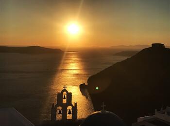 В Греции планируют вернуть ограничения из-за роста случаев COVID-19