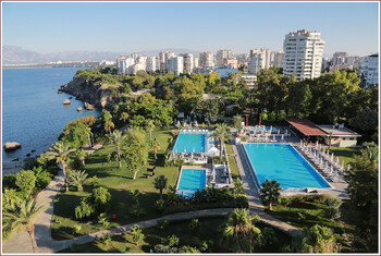 Первые рейсы из РФ на курорты Турции загружены на 100%