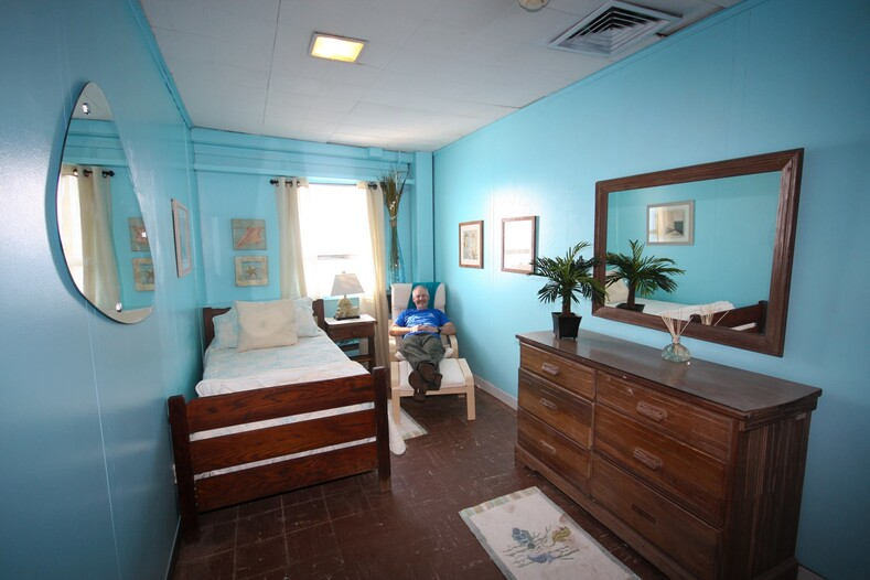 Отель для любителей пощекотать себе нервы: если не пугает ржавеющая платформа посреди океана, кишащего акулами, то отдых здесь именно для вас