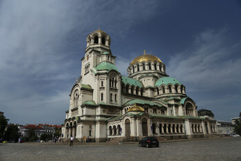 Россияне смогут оформить многократные визы в Болгарию на срок до двух лет
