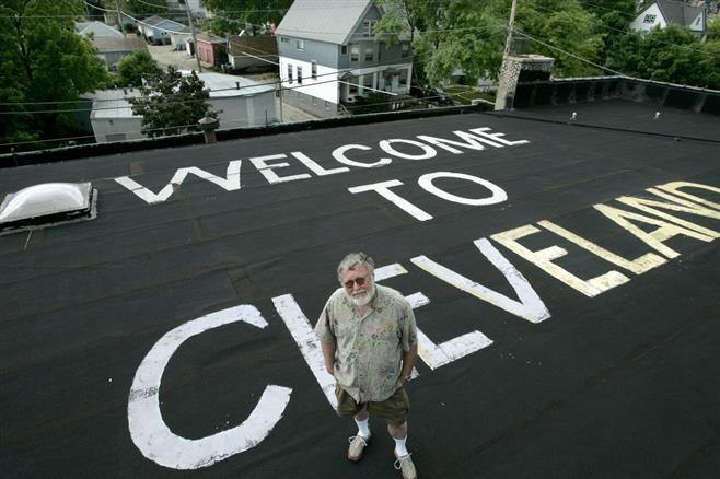 Welcome to Cleveland: шутка фотографа из Милуоки, заставившая изменить маршруты полетов над его домом