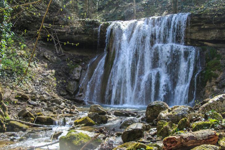 Большой Каверзинский водопад