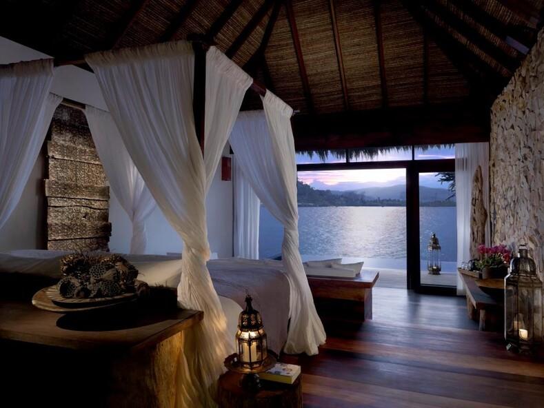 Тропический рай своими руками: обычная пара австралийцев построила пятизвездочный отель на своем острове в Камбодже