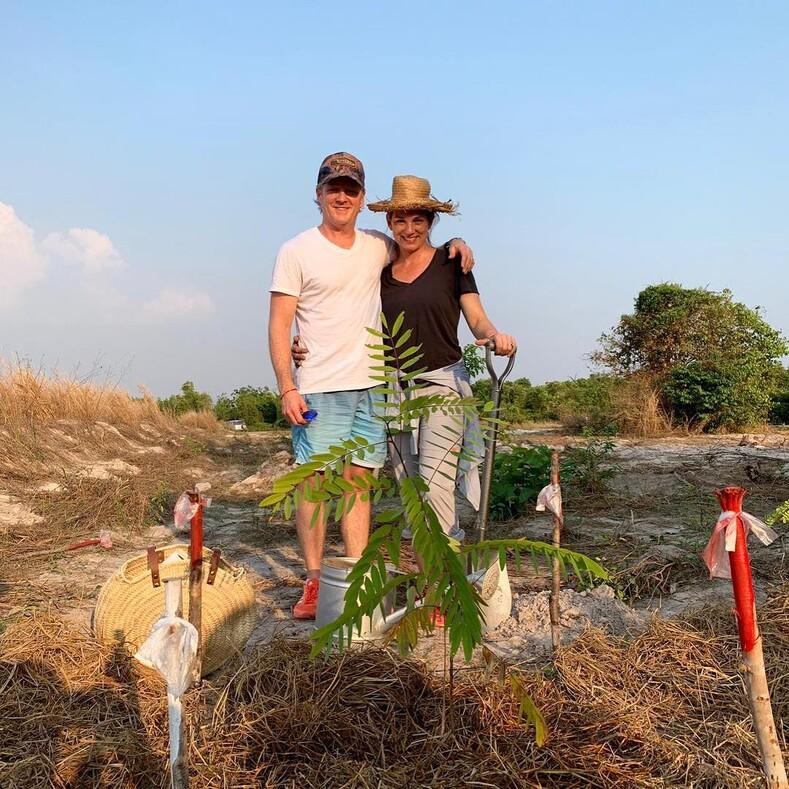 Тропический рай своими руками обычная пара австралийцев построила пятизвездочный отель на своем острове в Камбодже