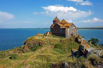 Армения открыла воздушные границы