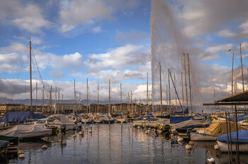Туристам в Женеве выдадут подарочные карты почти на 100 евро