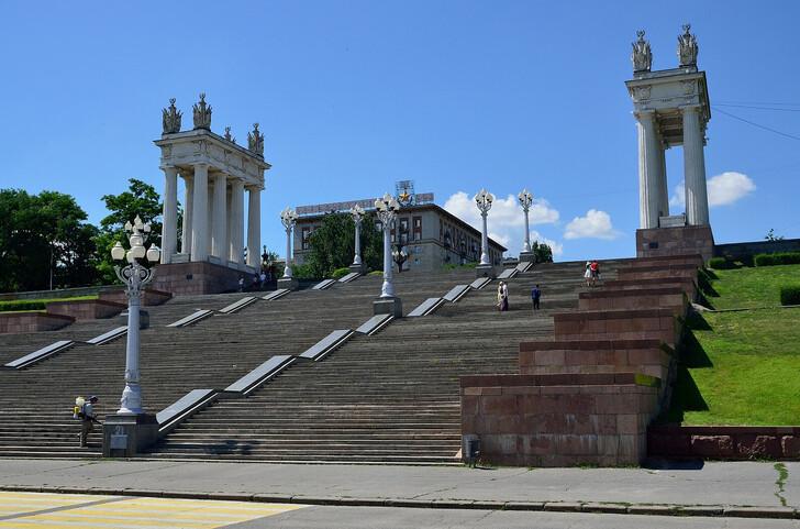 Центральная лестница на набережной