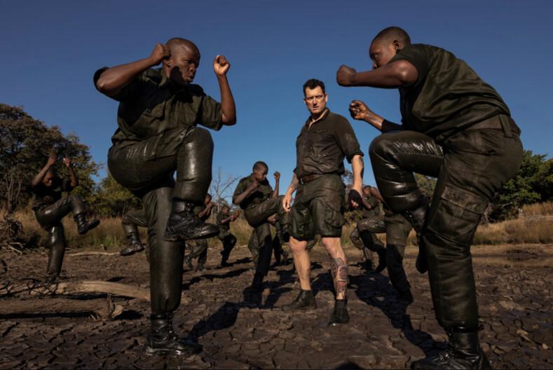 Акашинга женщины взяли в руки оружие, чтобы защитить редких животных Африки