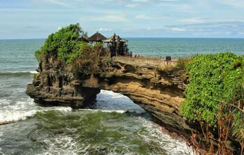 Бали не примет иностранных туристов до конца года