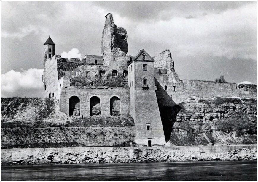 После 70 лет реставрации наконец полностью открылся Нарвский замок