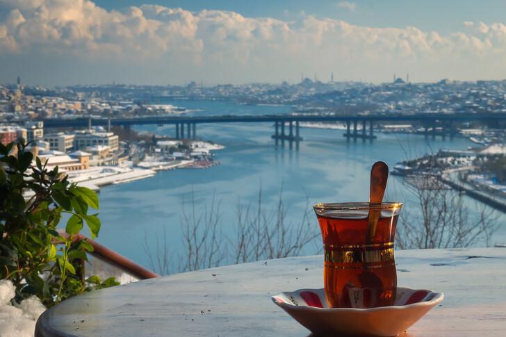 Вид с террасы кофейни «Пьер Лоти»