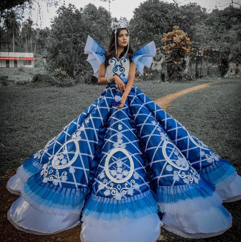 Родители не могли купить дочери платье на выпускной: выручил брат девушки он сшил сестре наряд, как для диснеевской принцессы