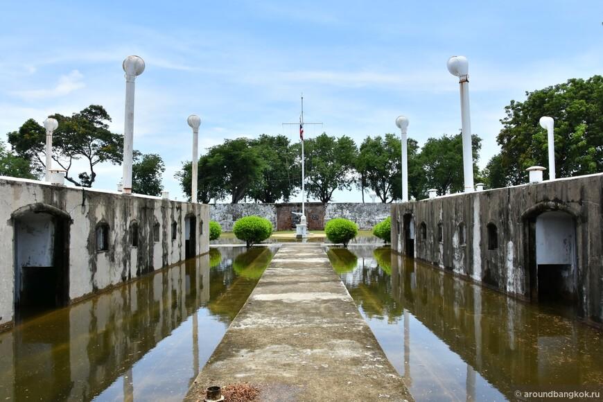 Самут Пракан и форт Пи Сыа Самут
