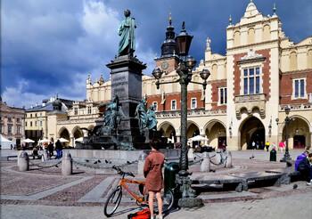 Польша отменила запрет на авиасообщение с Россией