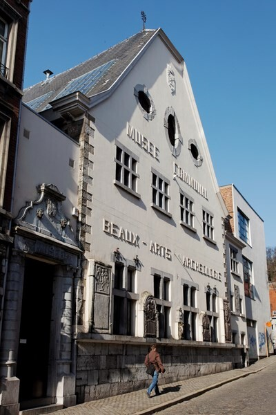 Городская легенда оказалась правдой: 137 лет сердце мэра было спрятано на центральной площади города у всех на виду
