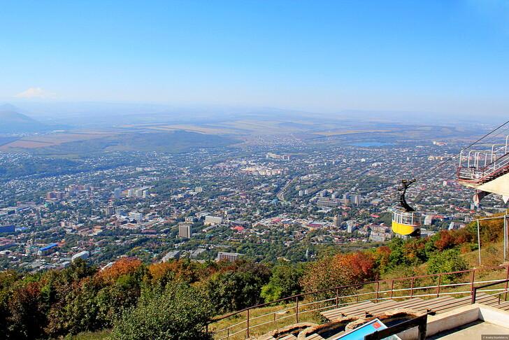 Вид на Пятигорск с горы Машук