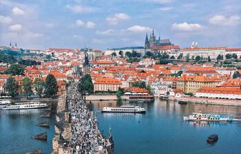 МИД Германии рекомендовал своим туристам не посещать ряд городов и регионов Европы