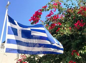 Турсезон в Греции завершается досрочно из-за ограничений, введённых рядом стран