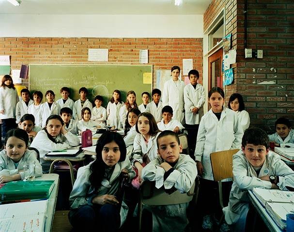 Классные портреты: как выглядят школьники из 20 стран мира