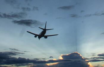 Самолёт S7 вернулся в аэропорт Екатеринбурга из-за отказа двигателя