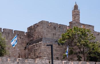 Израиль вновь вводит жесткий карантин