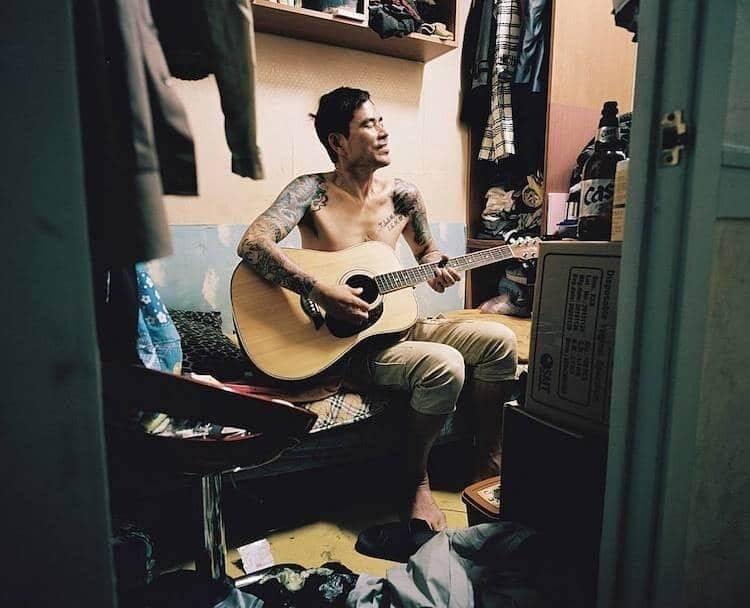Как живут корейцы в комнатах 2 на 2 метра фото-история сеульского фотографа Сим Кю-донга