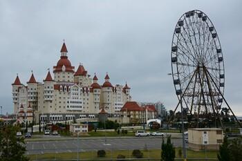 Курортные отели России дешевле зарубежных на 90%