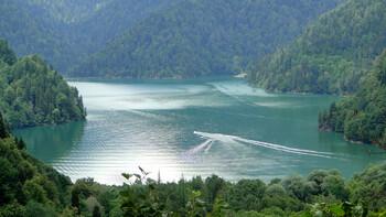 В Абхазии с 5 октября запретят проводить массовые мероприятия в помещениях