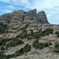 Горы, монастырь и Черная Мадонна — это Монтсеррат