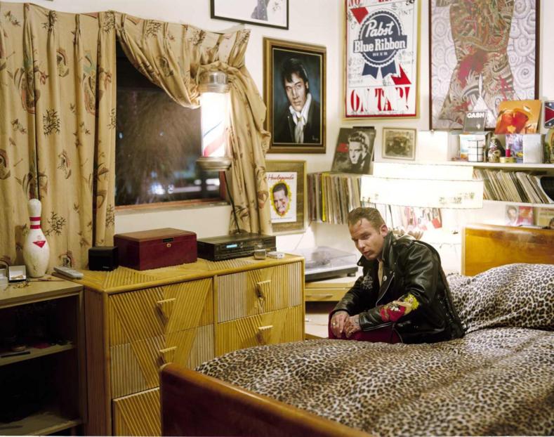 Жить, как во времена Элвиса Пресли: фото современных семей, застрявших в 50-х, и их домов (одежда, быт и увлечения все, как в молодости бабушек и дедушек)