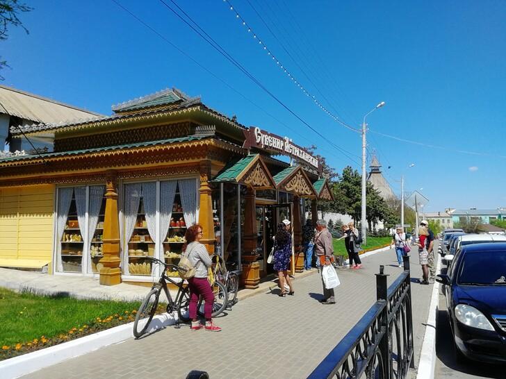 Сувенирный магазин в Астраханском кремле