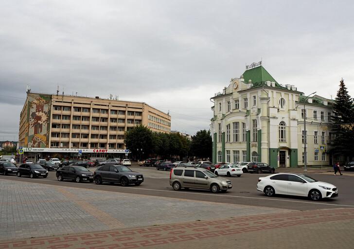 Гостиница «Салют» и здание Северного банка