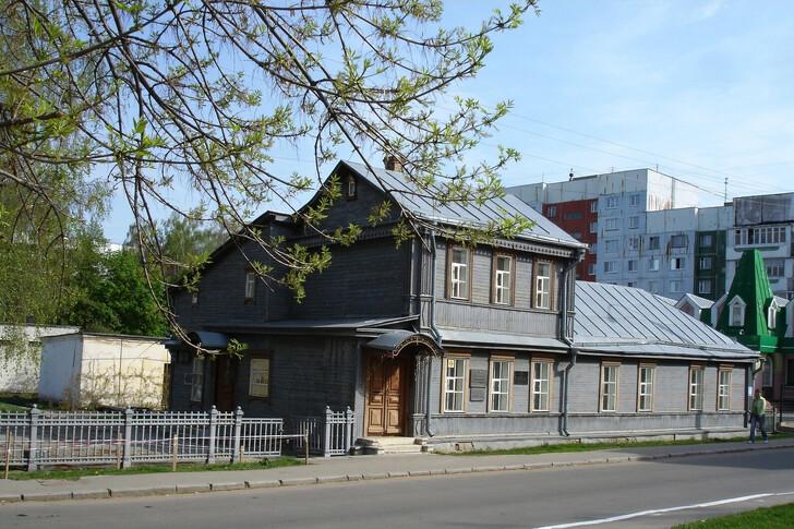 Мемориальный дом-музей В. А. Русанова