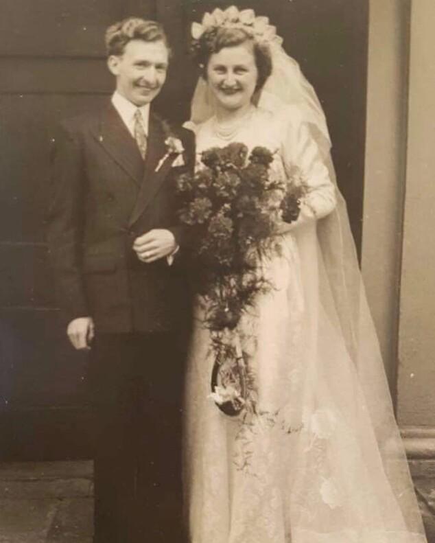 Трогательная история любви длиной в 70 лет фото пары долгожителей из Великобритании