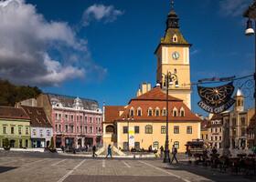 Старая ратуша, построена в 1420 году. Последняя реконструкция проведена в 1780 . Админитрация города занимала его до конца XIX века. Сейчас в здании расположен Краеведческий музей.