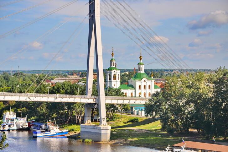Мост Влюбленных и Вознесенско-Георгиевская церковь