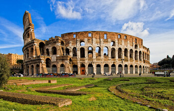 В Италии задержали туриста, нацарапавшего инициалы на стене Колизея