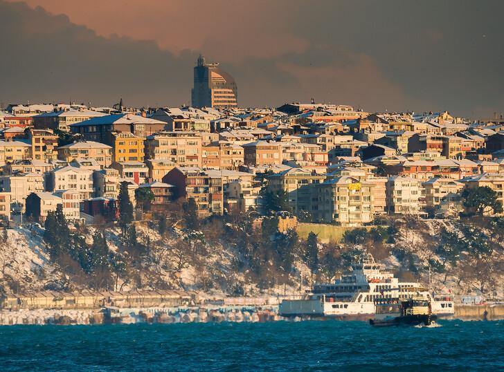 Навигация по Босфору зимой