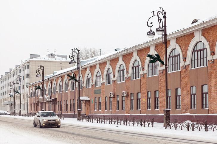 Гостиный двор XIX в. (ул. Республики)