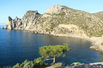 Турист «переименовал» в свою честь скалу в Крыму