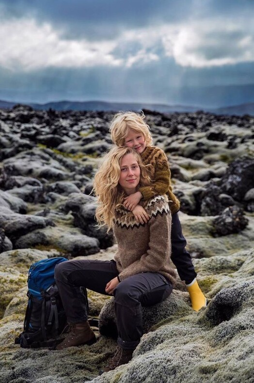 Фотограф из Румынии делает снимки красивых мам по всему миру