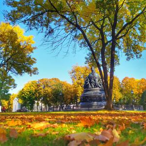 Великий Новгород в желто-красных тонах